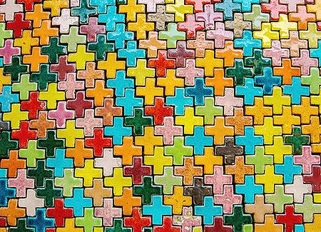 Croix multicolores