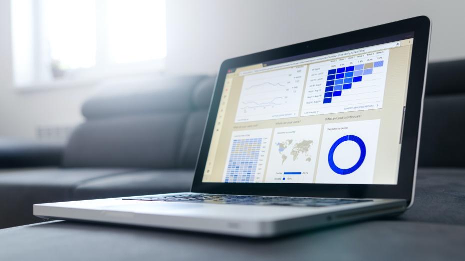Ecran de PC avec graphiques